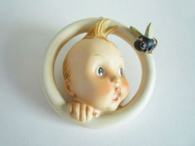 W. Goebel 'Baby and Bee' Hummel Wall Plaque c1948 (Sold)